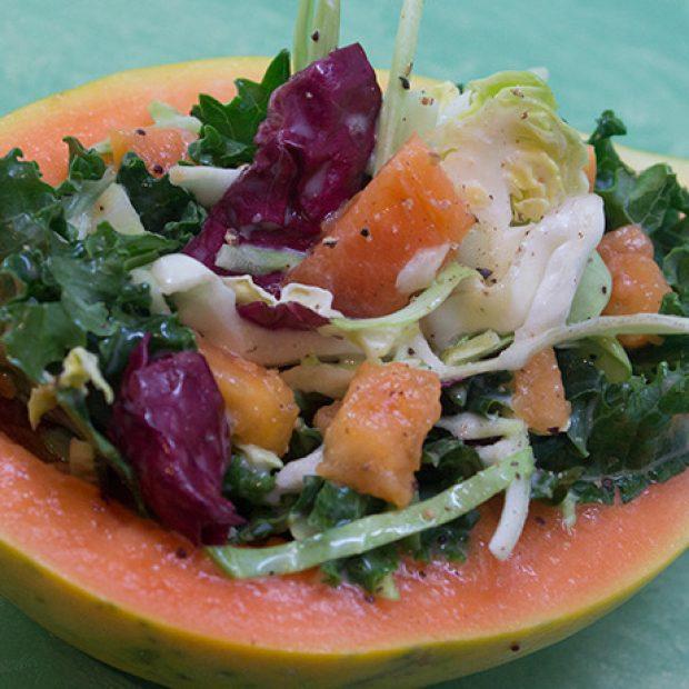 Kale and Solo papaya, perfecto